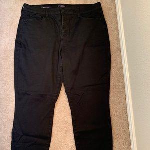 Women's black legging jeans.